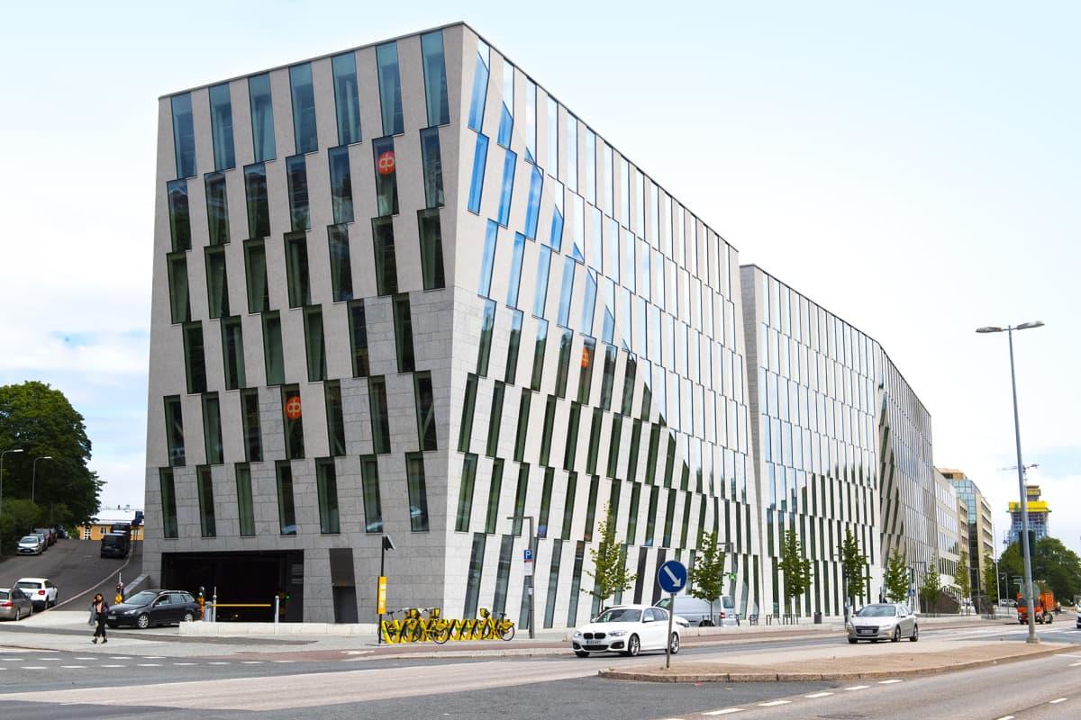 Osuuspankin pääkonttori Teollisuuskadulla Helsingissä.