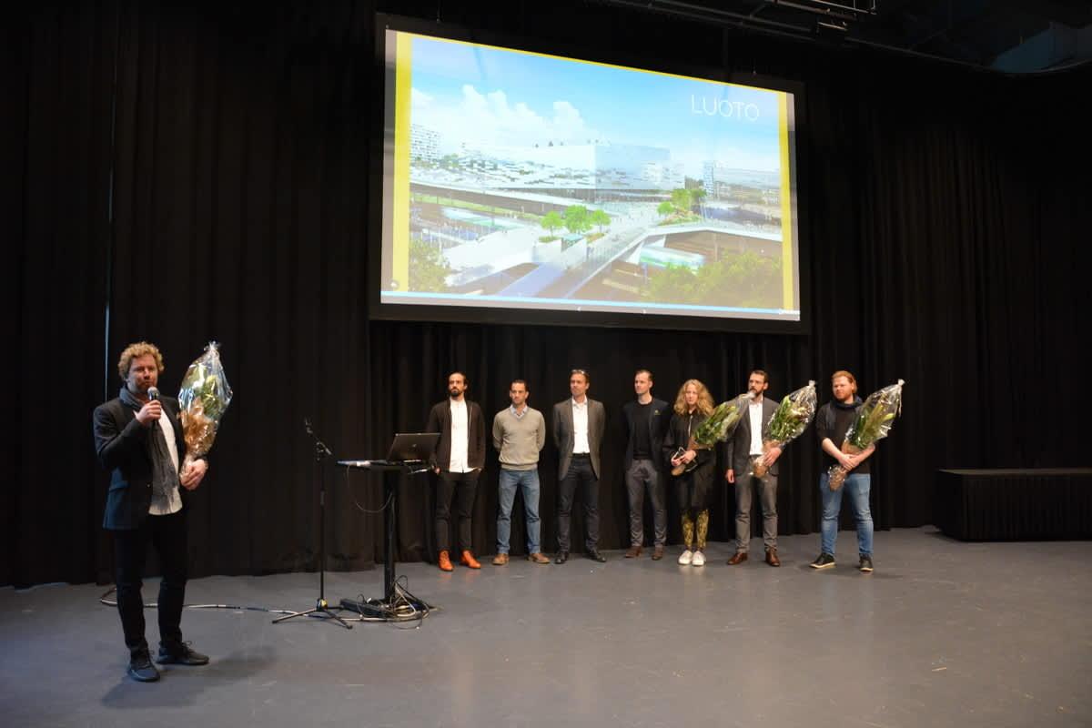 PES-Arkkitehdit palkittiin arkkitehtikilpailun voittajana Turun Logomossa.