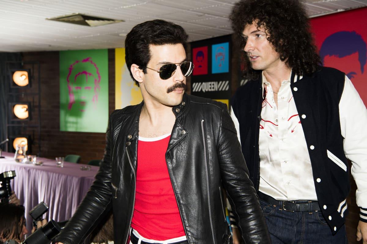 Gwilym Lee Brian Mayn roolissa  ja Rami Malek Freddie Mercuryn roolissa.