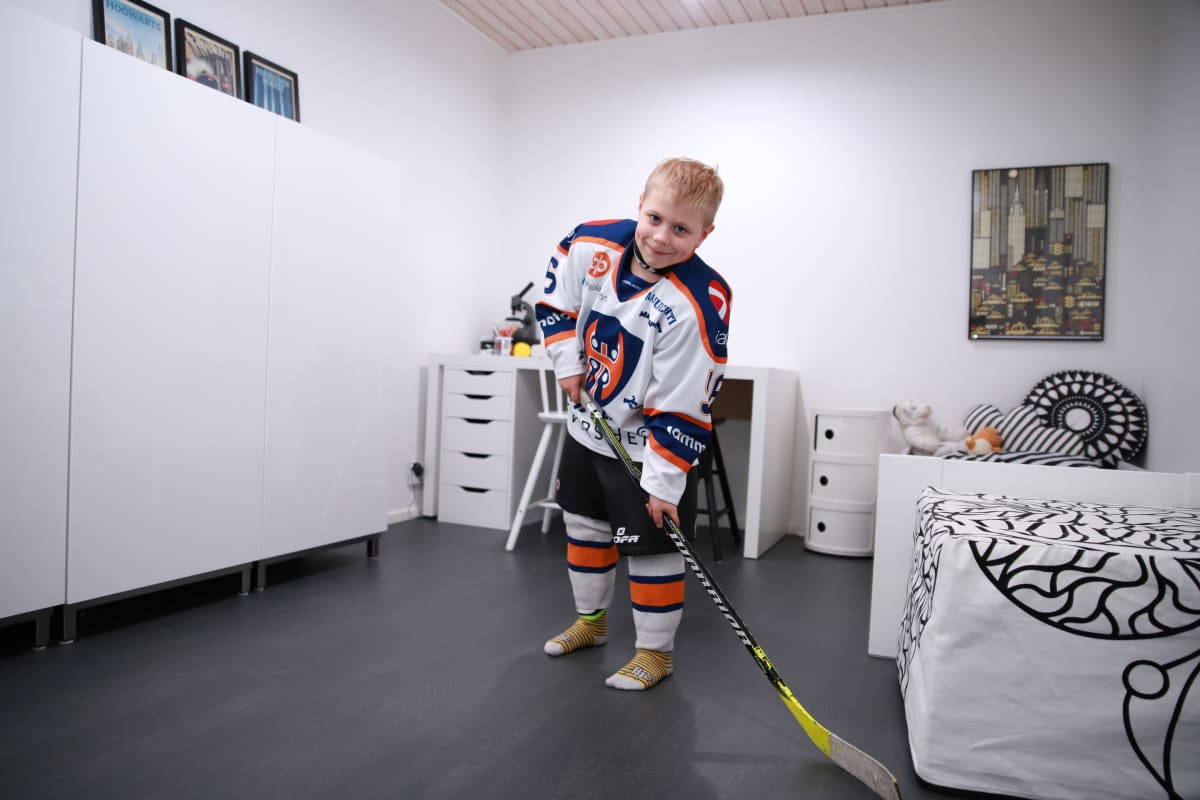 Alvar Lisko harrastaa jääkiekkoa.