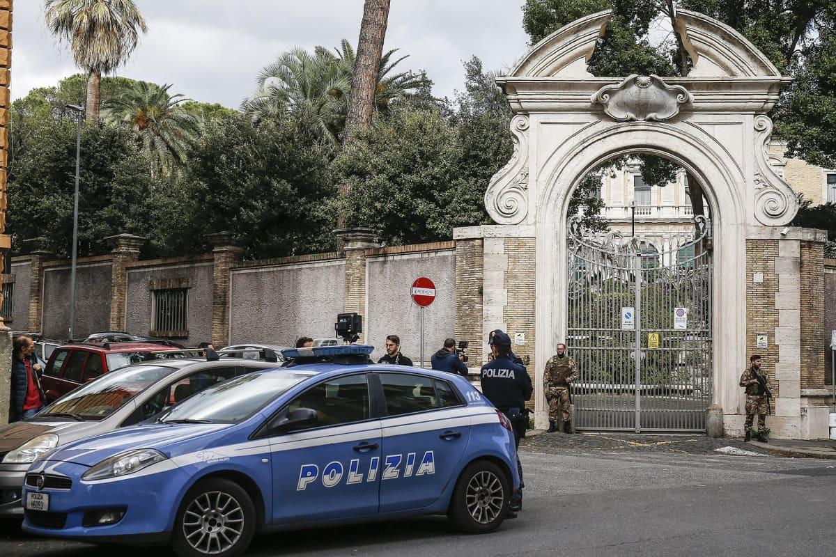 Luut löytyivät Vatikaanin lähetystöstä, läheltä Villa Borghesen museota.