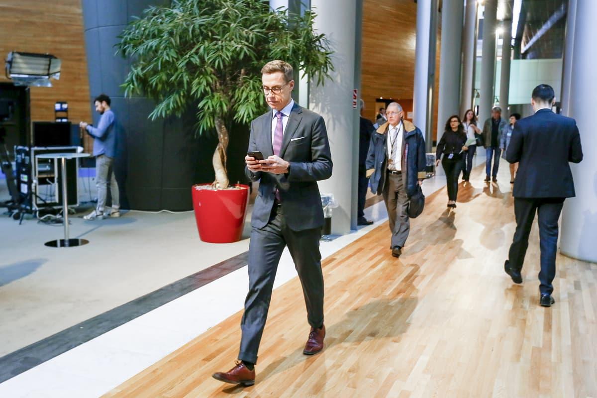 Alexander Stubb kampanjoi Euroopassa saadakseen EPP-ryhmän kärkiehdokkaan paikan tämän kevään eurovaaleissa.