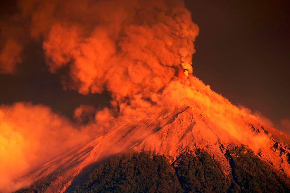 Kuva Fuego-tulivuoresta purkautumassa 19. marraskuuta 2018.