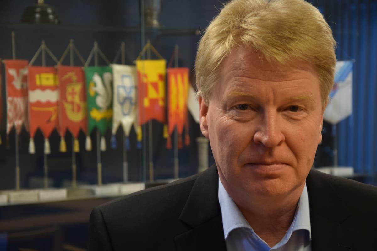 Ari Koskinen, Vehmaan kunnanjohtaja