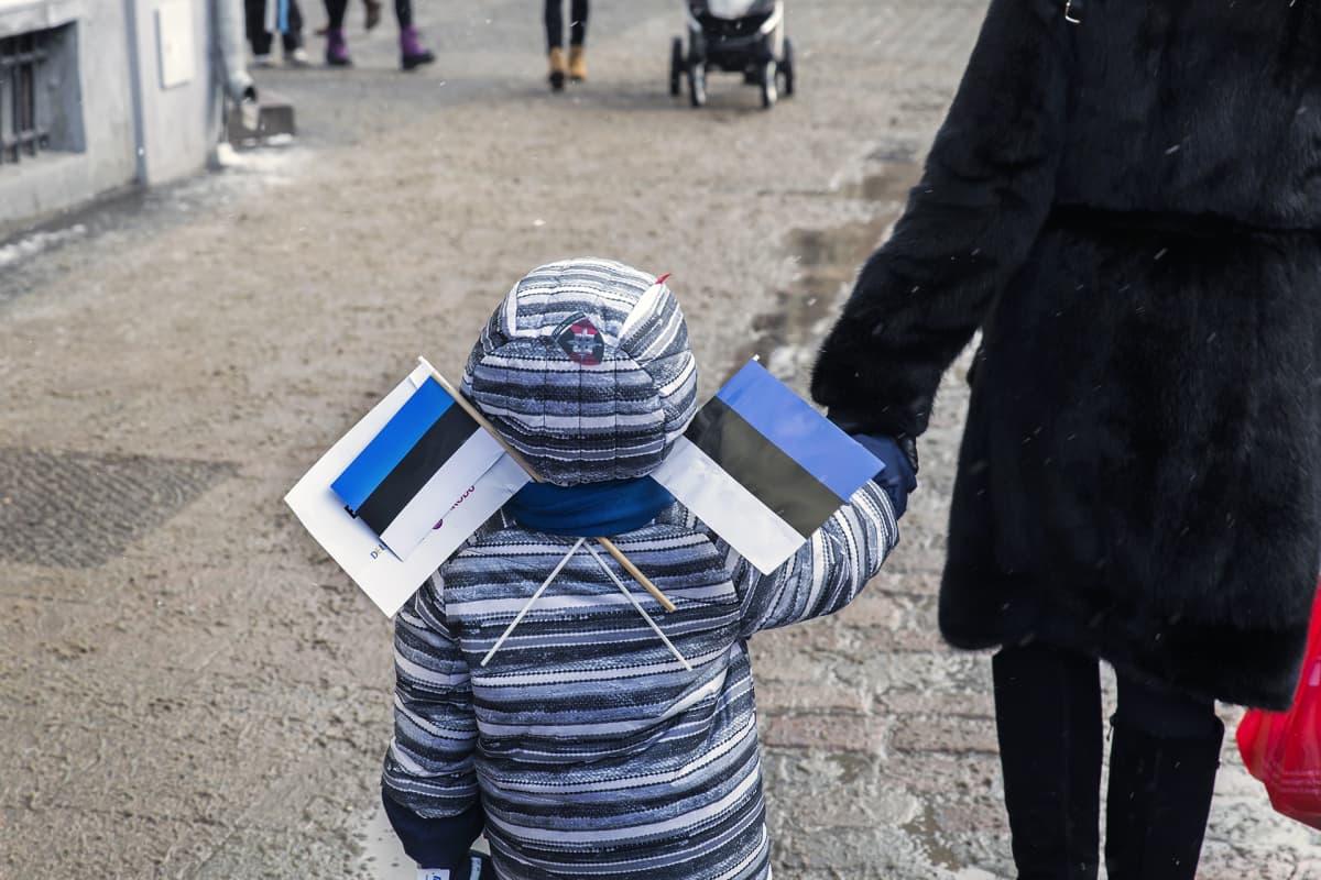 Viron 100-vuotis itsenäisyysjuhlintaa  Tallinnassa.