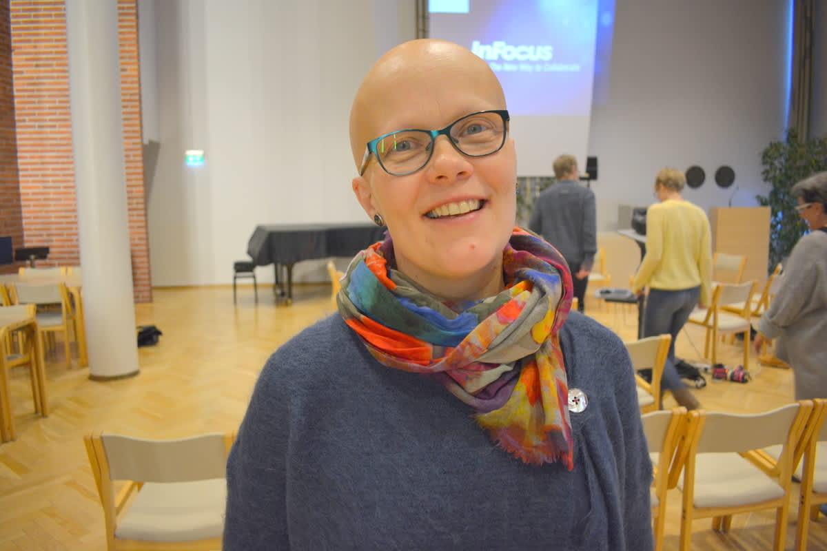 Opettaja ja tutkija Anna Lehtonen johdatti tutkimaan ilmastonmuutoksen aiheuttumia tunteita.