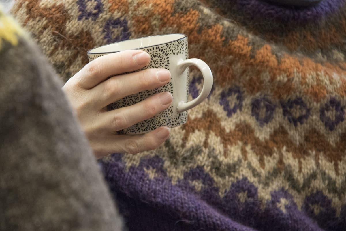 Kahvikuppi, villapaita