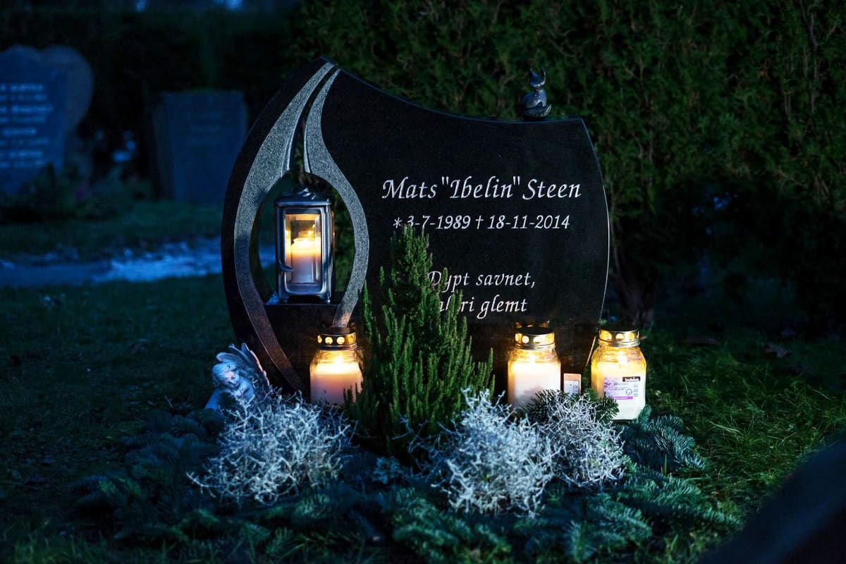 Hautakivessä on mukana myös Matsin virtuaalinen identiteetti.