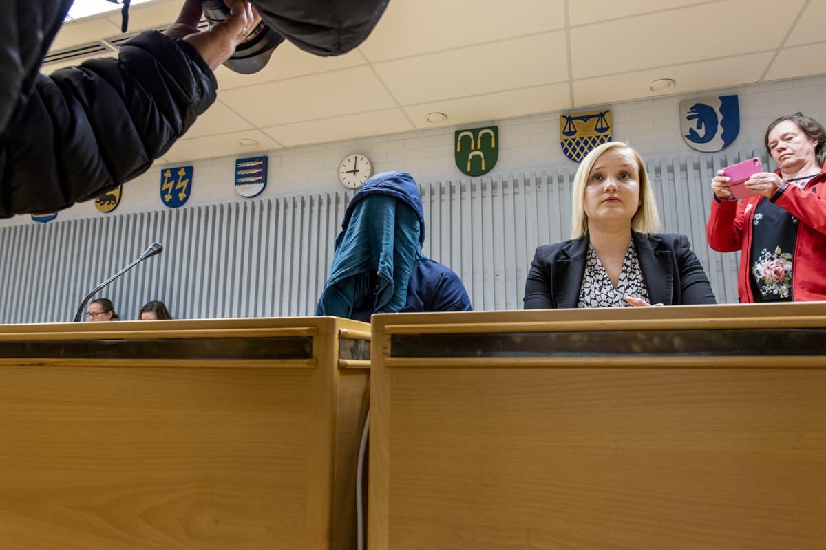 Rikoskokonaisuuteen kuuluu kahdeksan juttua, joissa kussakin on eri epäilty ja sama asianomistaja.
