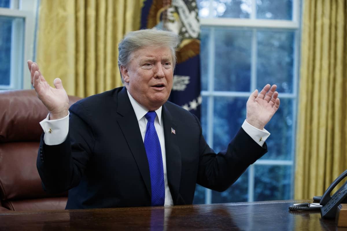 Presidentti Donald Trump Valkoisessa talossa