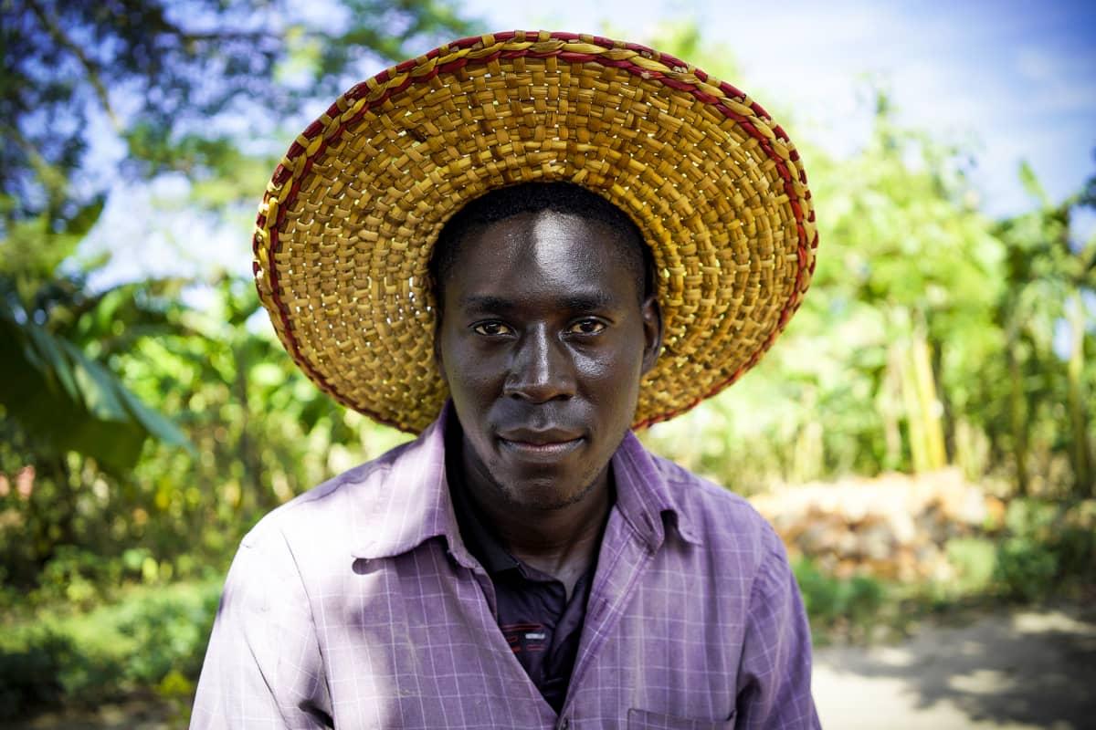 Ugandalainen Richard Nyakana oli ensimmäisiä, joka sai suomalaisen tutkinnon. Nyt hän myös opettaa muita.