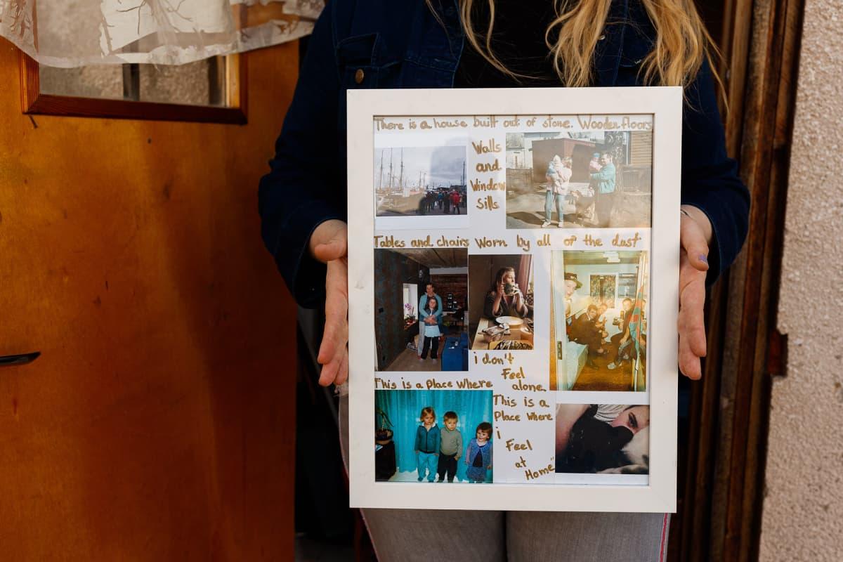 """Dagny on koonnut valokuvatauluun muistoja muun muassa isovanhemmistaan, vanhemmistaan ja lapsuudenkavereistaan. """"Tämä on paikka, jossa tunnen olevani kotona"""", taulussa lukee."""