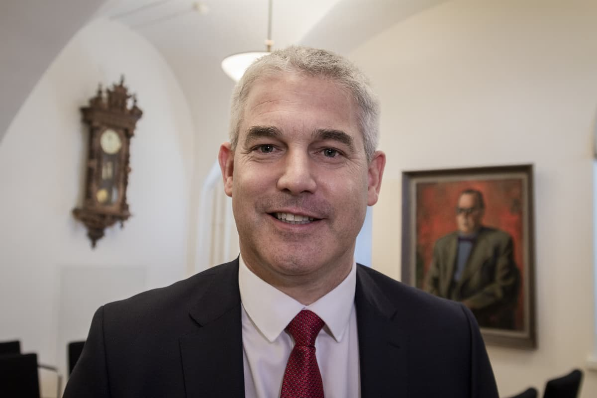 Stephen Barclay