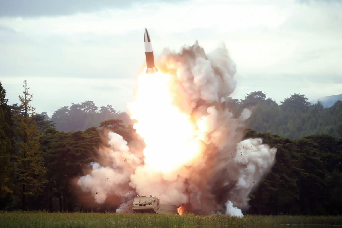 Pohjois-Korea teki taas asetestejä ampumalla mereen. Kuva elokuun puolivälin ohjustesteistä.
