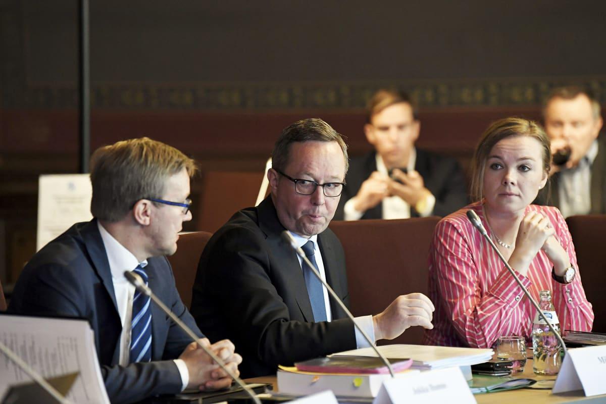 Valtiovarainministeri Mika Lintilä ja elinkeinoministeri Katri Kulmuni hallituksen budjettiriihessä Säätytalolla.