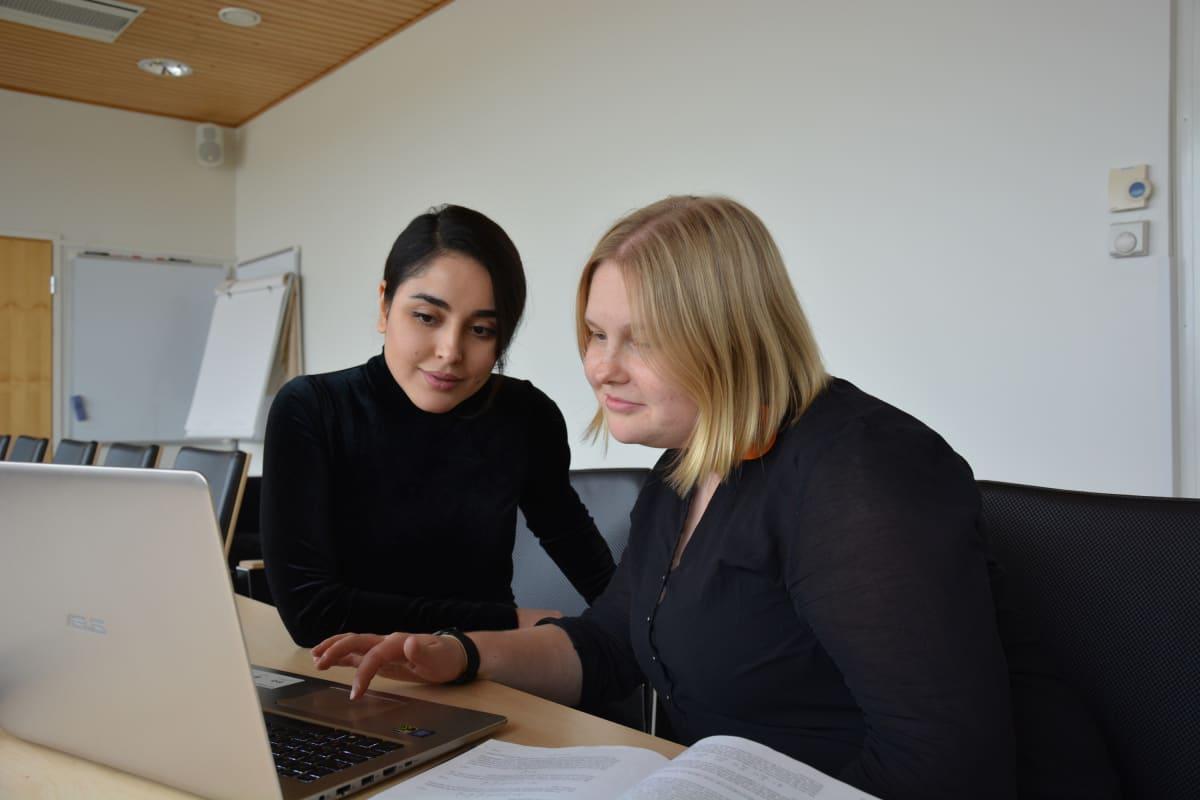 Emmi Pohjolainen, Maryam Sabooni, Nanotiedekeskus, Jyväskylän yliopisto