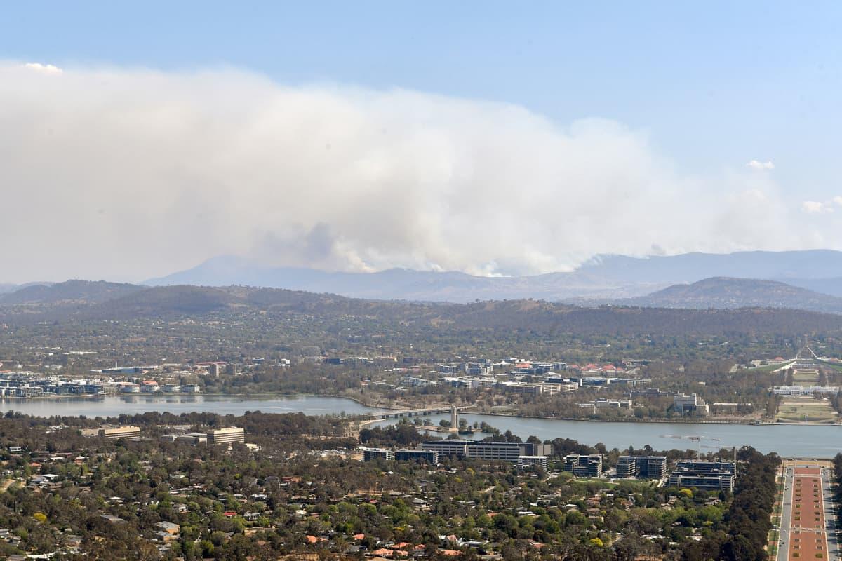 Tulipalorintama pääkaupunkialueella.
