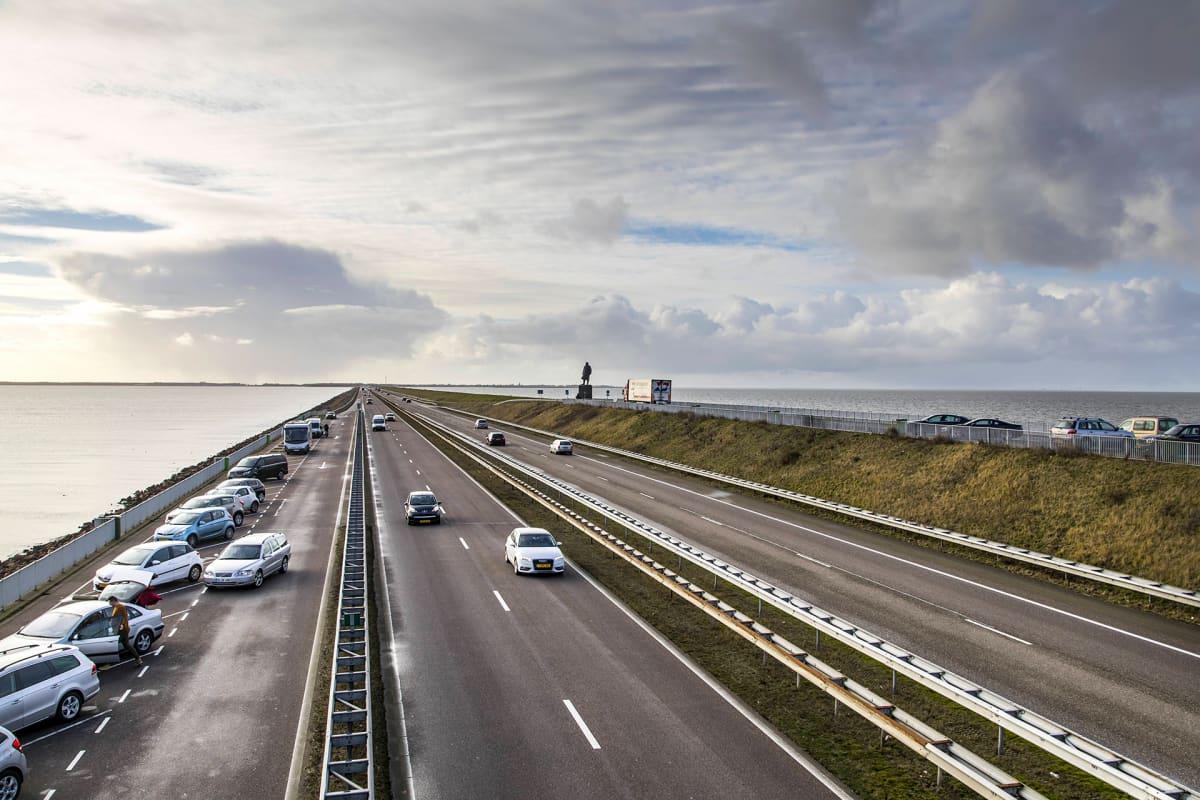 Afsluitdijk -pato Hollannissa.