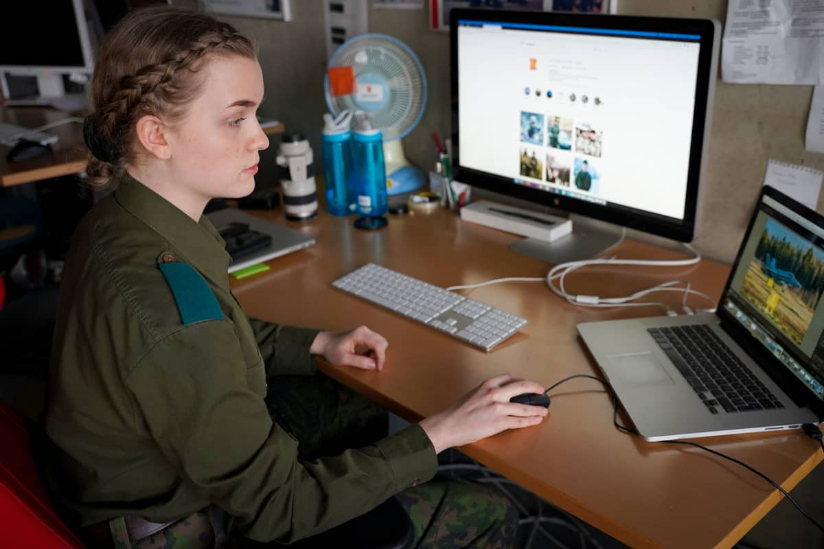 Nea Holopainen, Puolustusvoimat