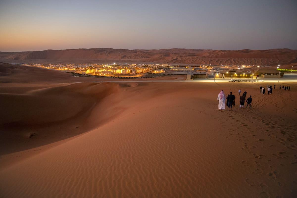 Näkymä Shaybahin öljykenttälle Rub Al-Khalissa, Saudi-Arabiassa,.