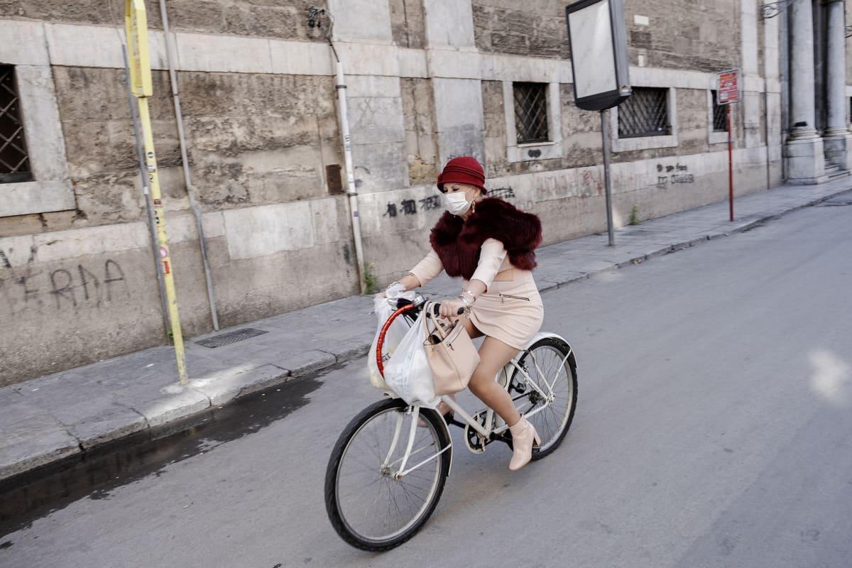 Pyöräilijä.