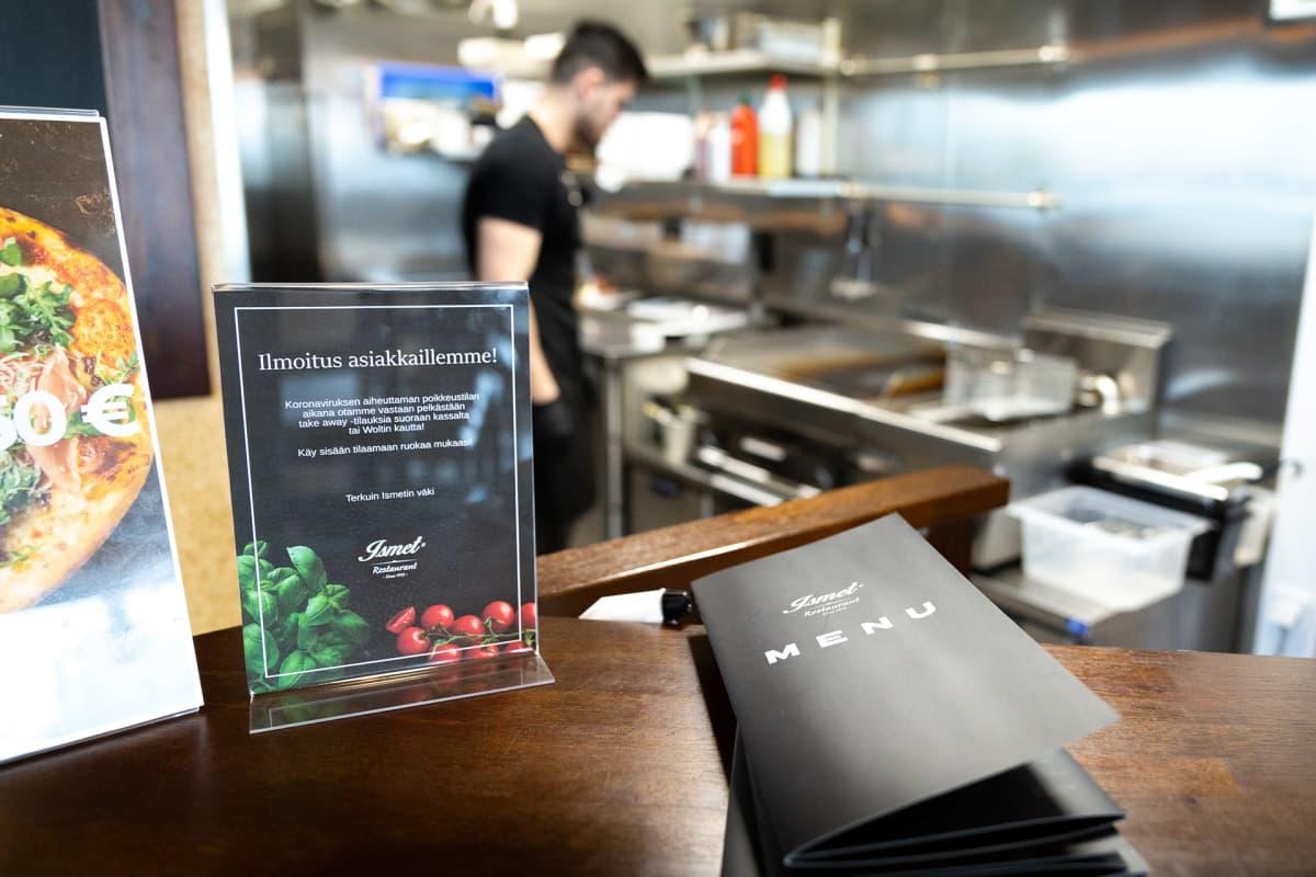 ravintolan tiski ja menu