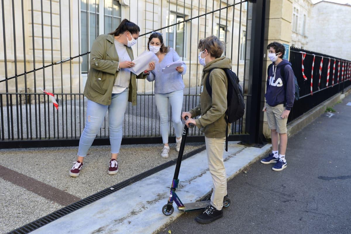 Koululaisia Bordeax'ssa Ranskassa.