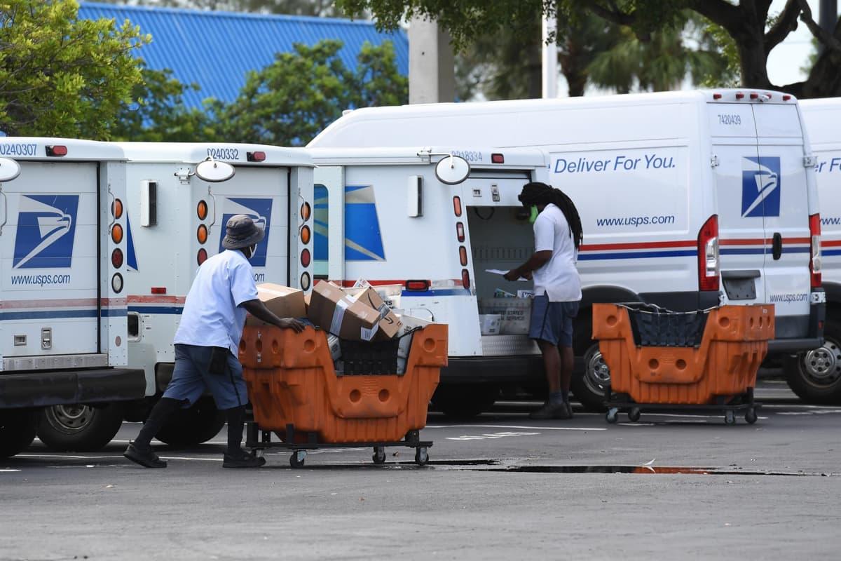 postin työntekijöitä Florida Beachissa