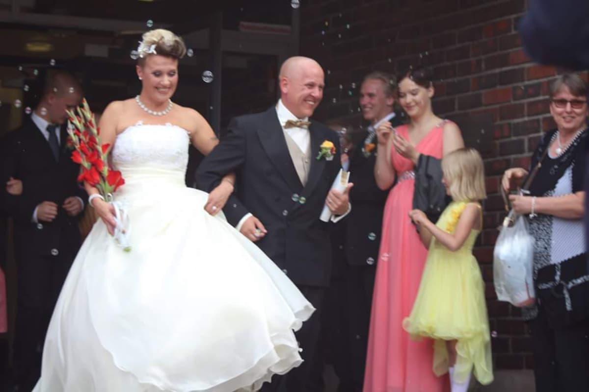 Tella ja Jani Suihkola menivät naimisiin vuonna 2016.