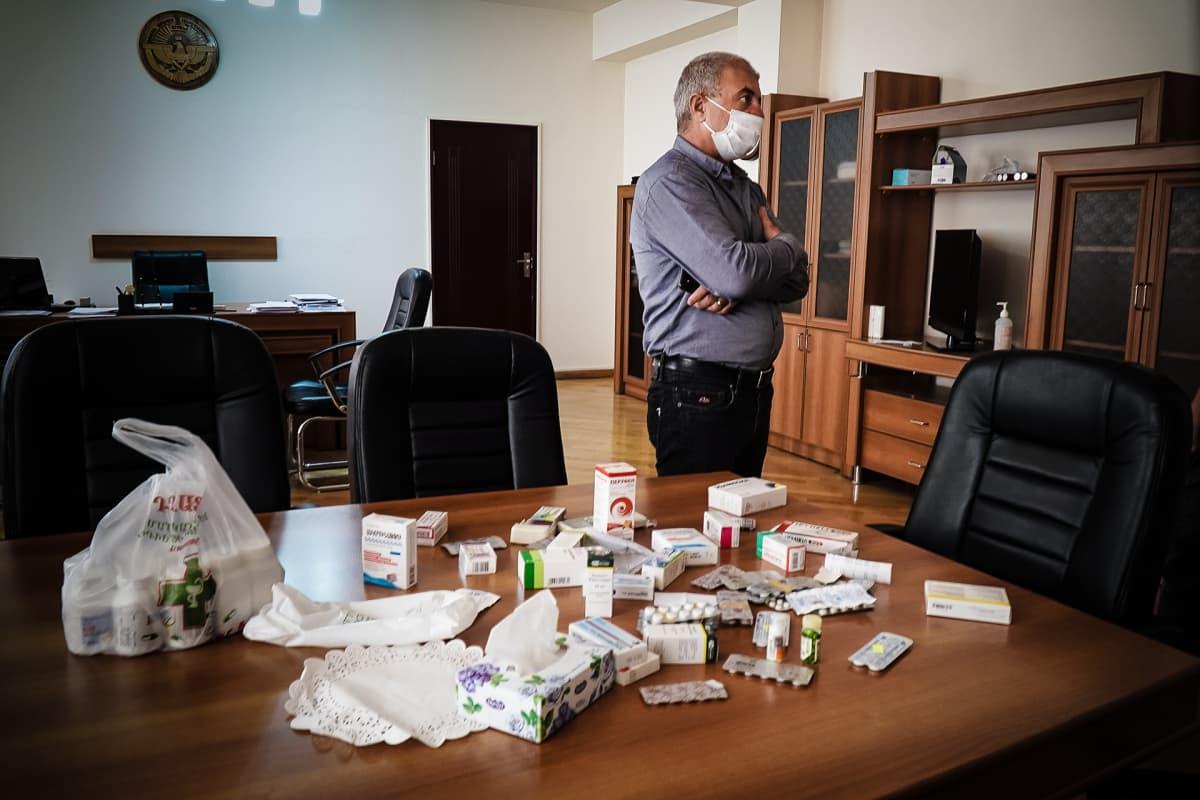 Vuoristo-Karabahin niin kutsuttu terveysministeri kertoo yllättäen olevansa Covid-19 -positiivinen.