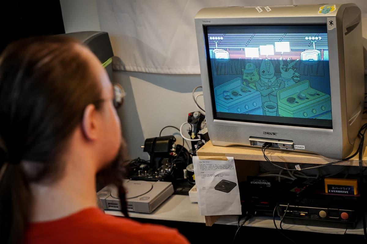 Retropelaaminen, retropeli, videopeli
