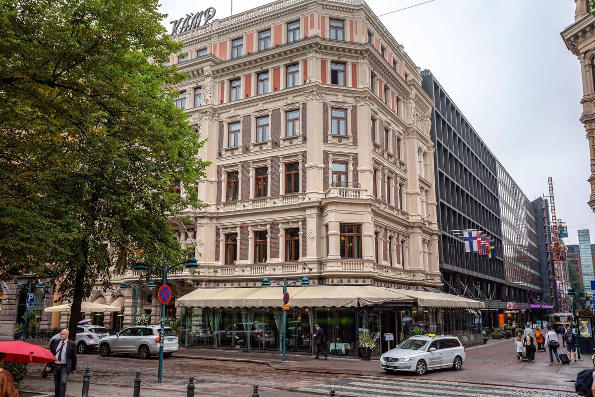 Hotelli Kämp Helsingin keskustassa.