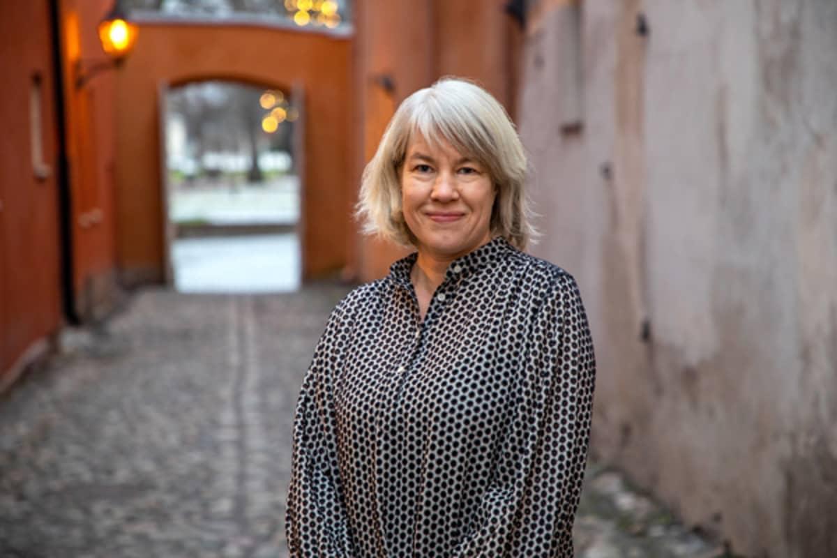 Rauman Lönnströmin museoiden johtaja Silja Lehtonen.