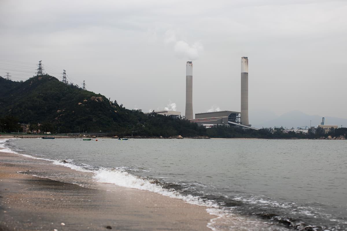 Castle Peakin hiilivoimala Hongkongissa Kiinassa.