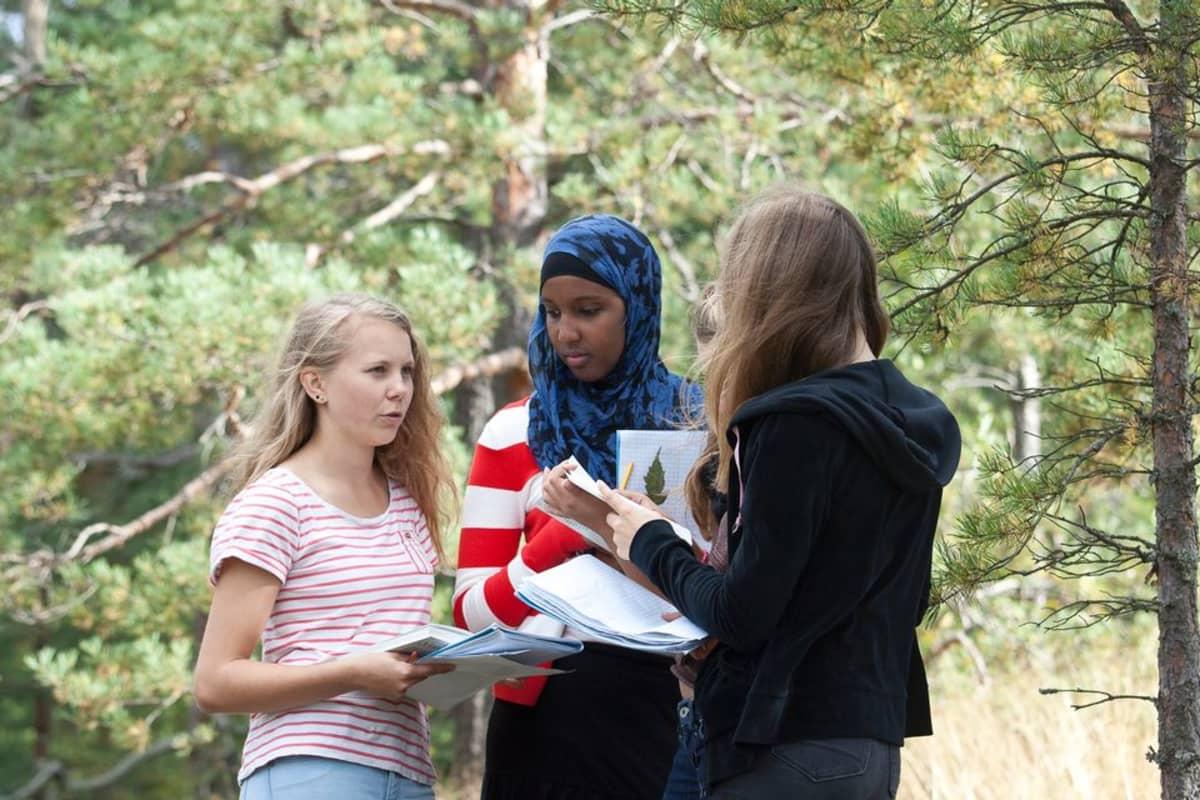 Biologian opiskelua Espoossa.