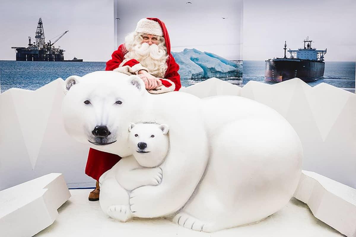 Joulupukki jäätkikkölautalla