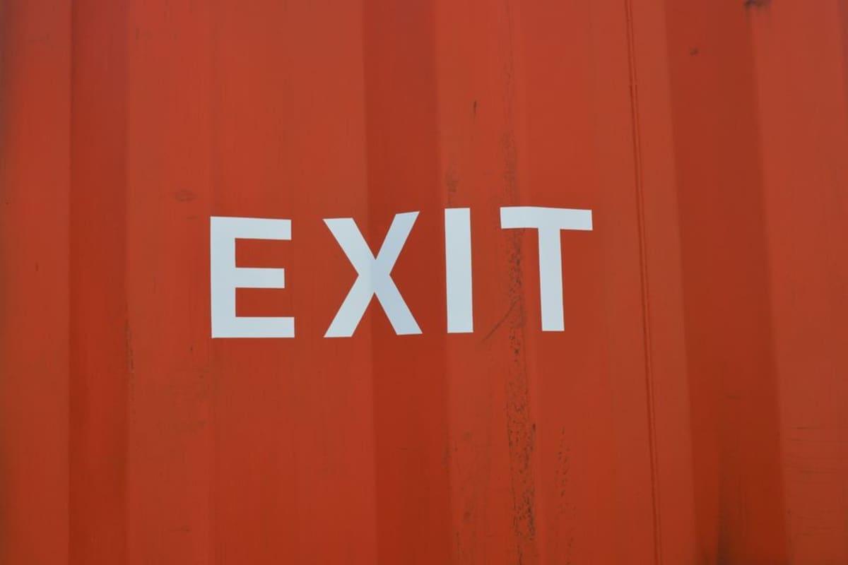 Yle X3M:n ja Kioskin yhteisprojektin kontissa on hätäuloskäynti - varmuuden vuoksi.