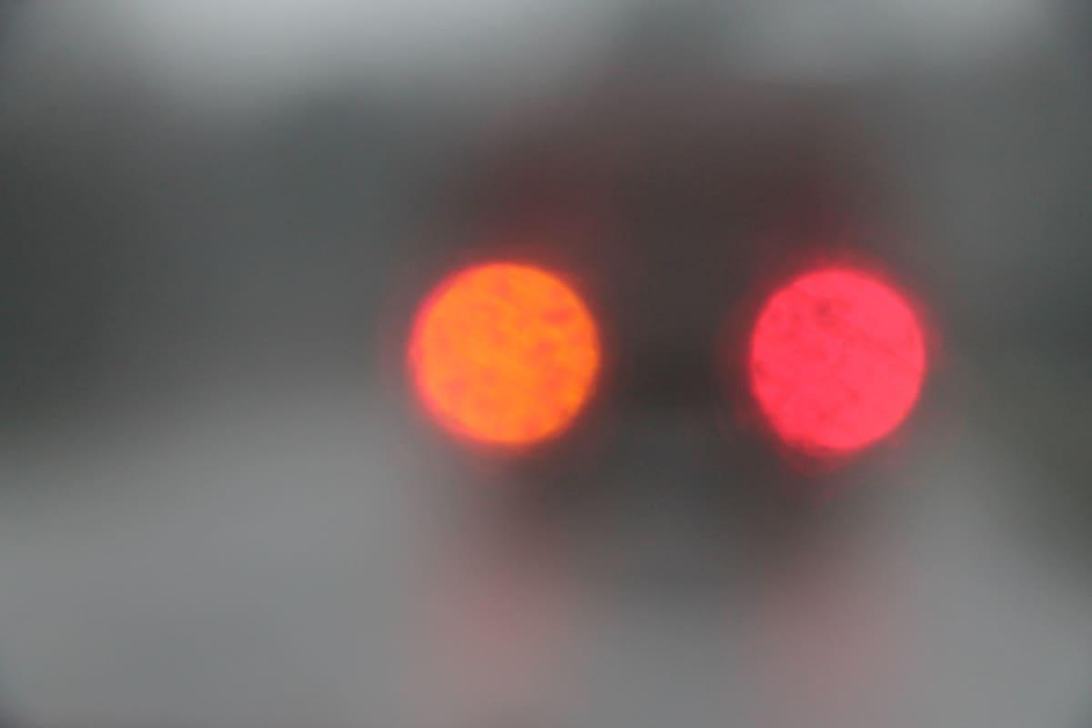 Valoja moottoritiellä