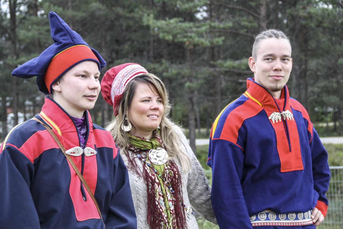 Niilas Holmberg, Petra Magga-Vars ja Ailu Valle.