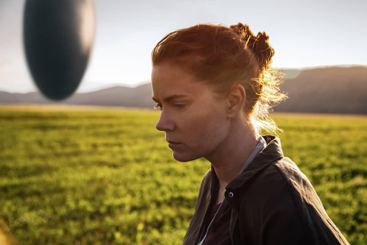 Amy Adams on Arrival-elokuvan Louise Banks.