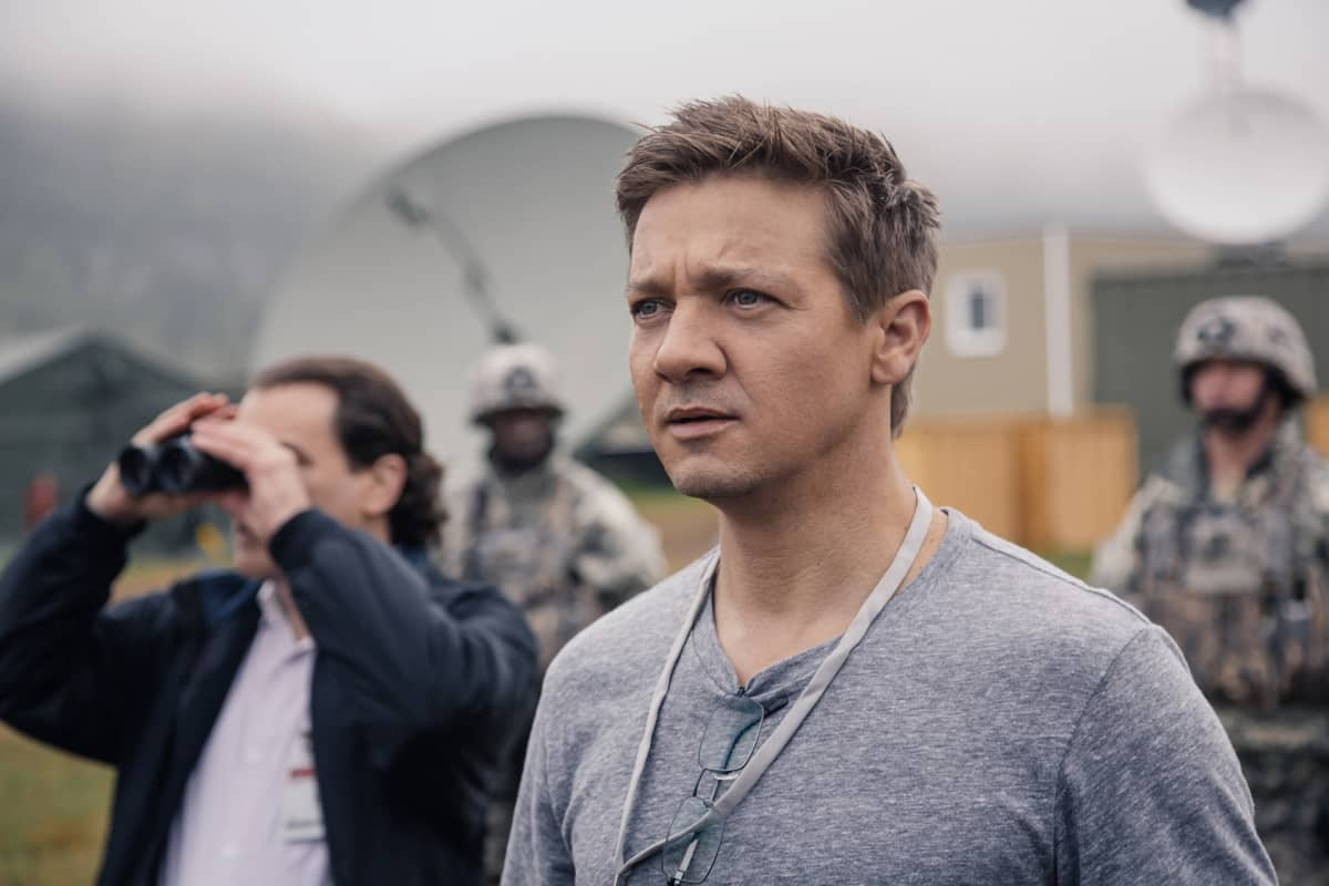 Jeremy Renner on Arrival-elokuvan Ian Donnelly.
