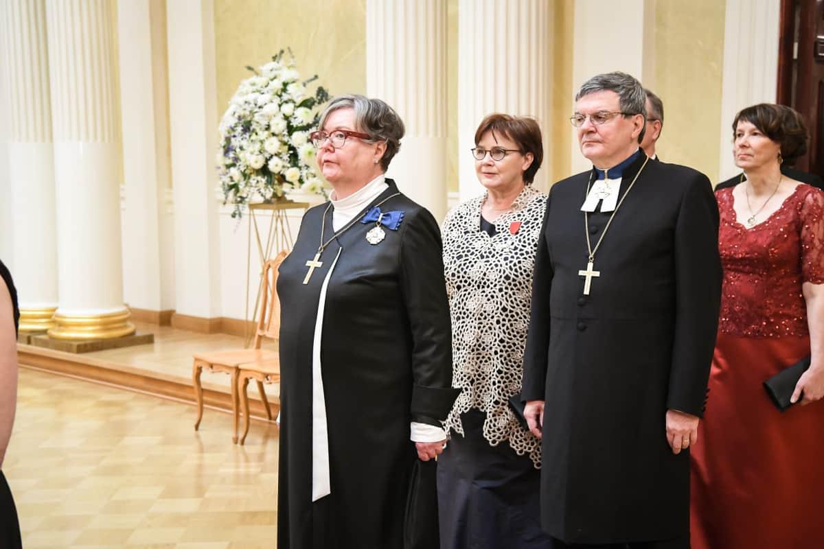 Helsingin hiippakunnan piispa Irja Askola ja Turun piispa Kaarlo Kalliala.