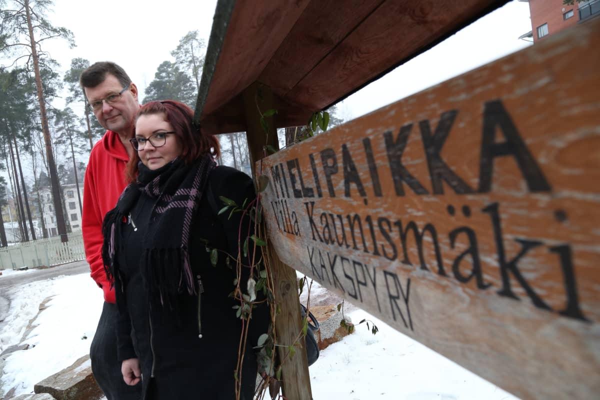 Jyrki Herrala ja Jenna Tiikkainen ovat puolustaneet aktiivisesti Mielipaikan toiminnan jatkoa.