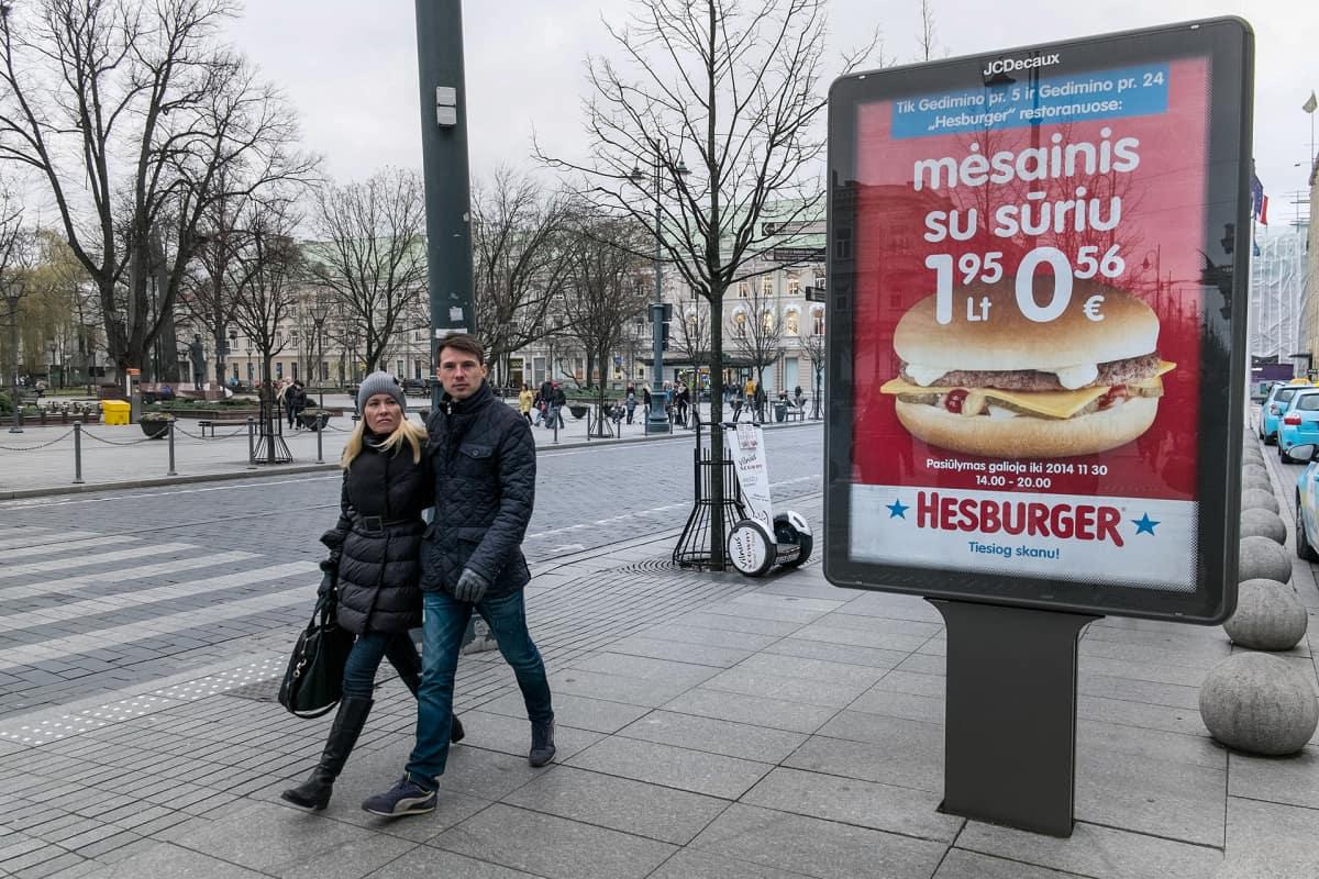 Hesburgerin katumainos Liettuassa.