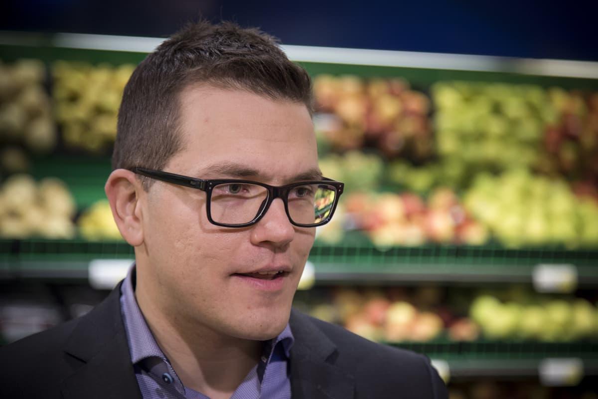 S-ryhmän valikoimajohtaja Antti Oksa