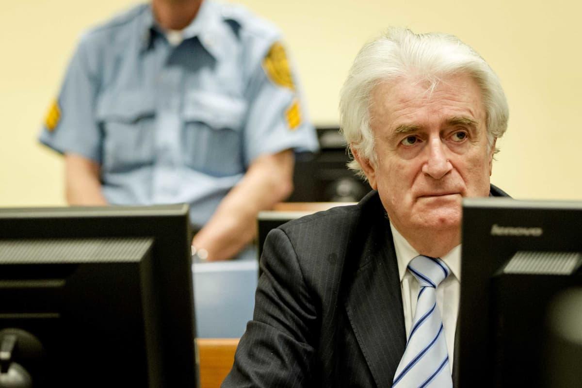 Bosnian serbien johtaja Radovan Karadžić