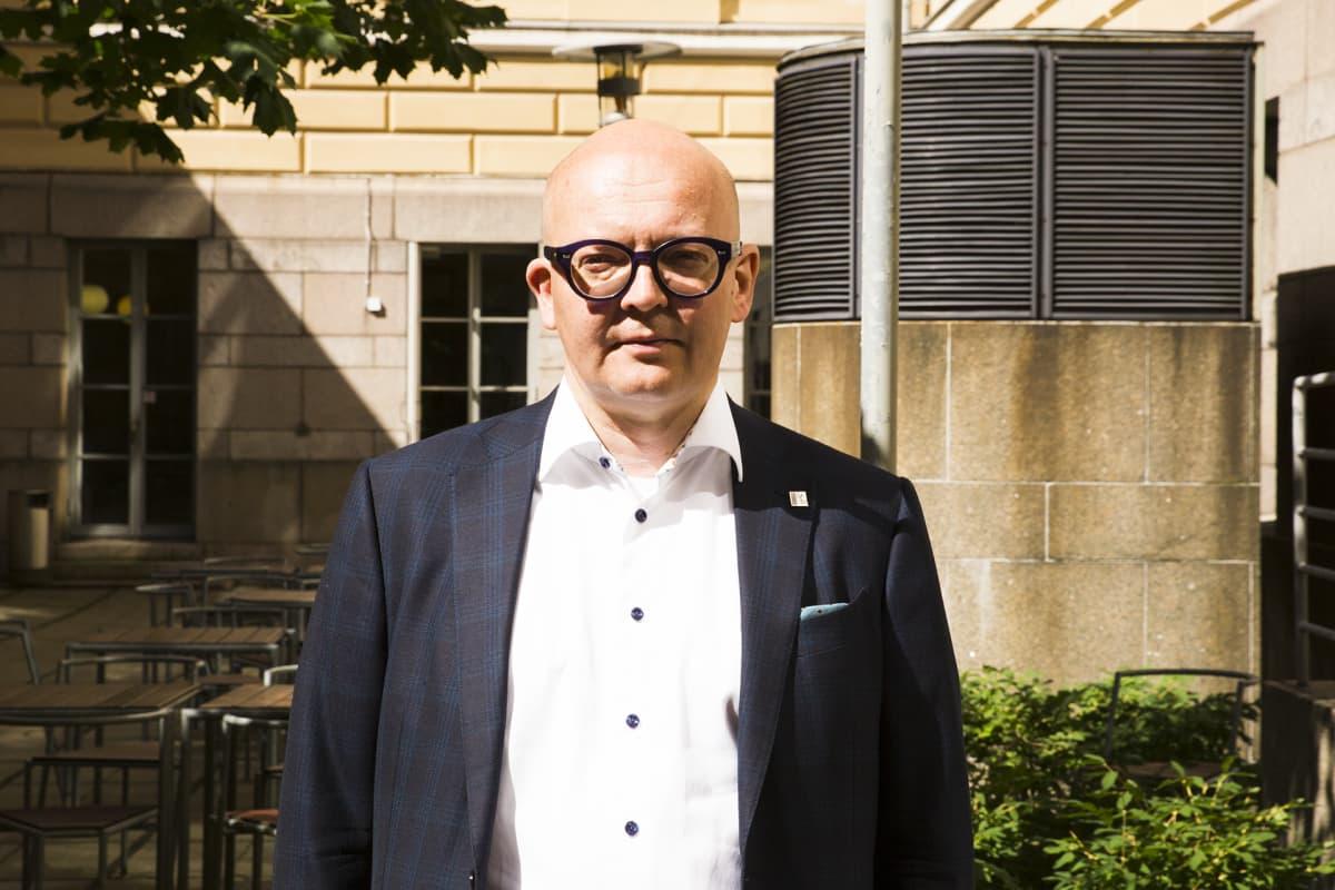 Helsingin yliopiston hallintojohtaja Esa Hämäläinen