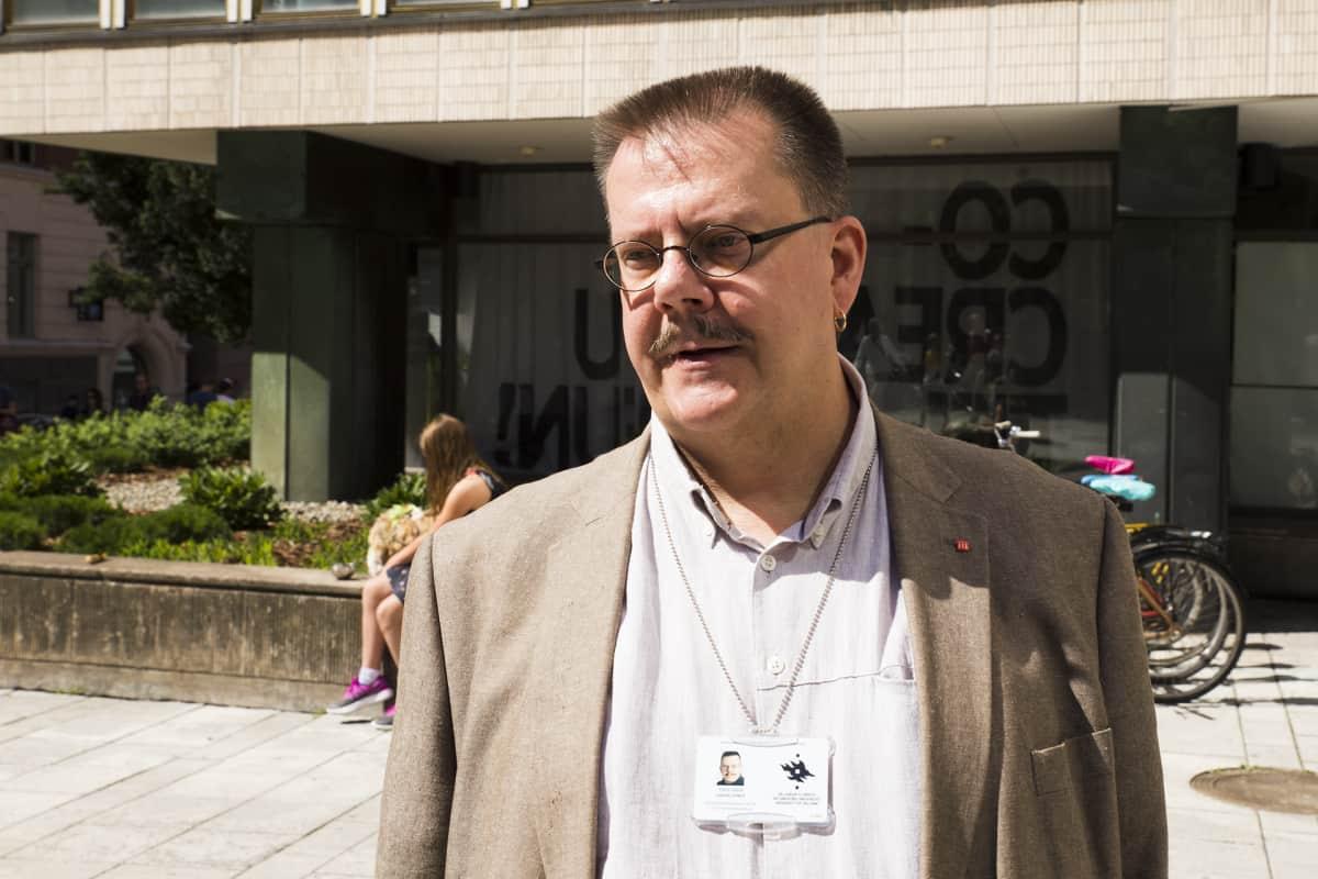 Helsingin yliopiston pääluottamusmies Timo-Jussi Hämäläinen