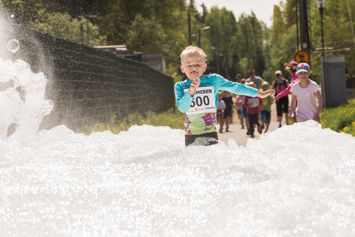 Lasten ExtremeRun Vantaalla 2016.