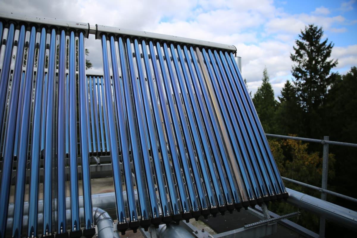 Aurinkolämpökeräimet lämmittävät pääasiassa käyttövettä.